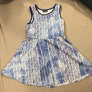 Size 14 diamond patterned dress